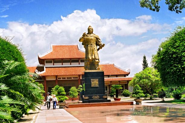 Tour Tháp Đôi - Hầm Hô - Bảo Tàng Quang Trung - Cù Lao Xanh Homestay Phúc  Hưng